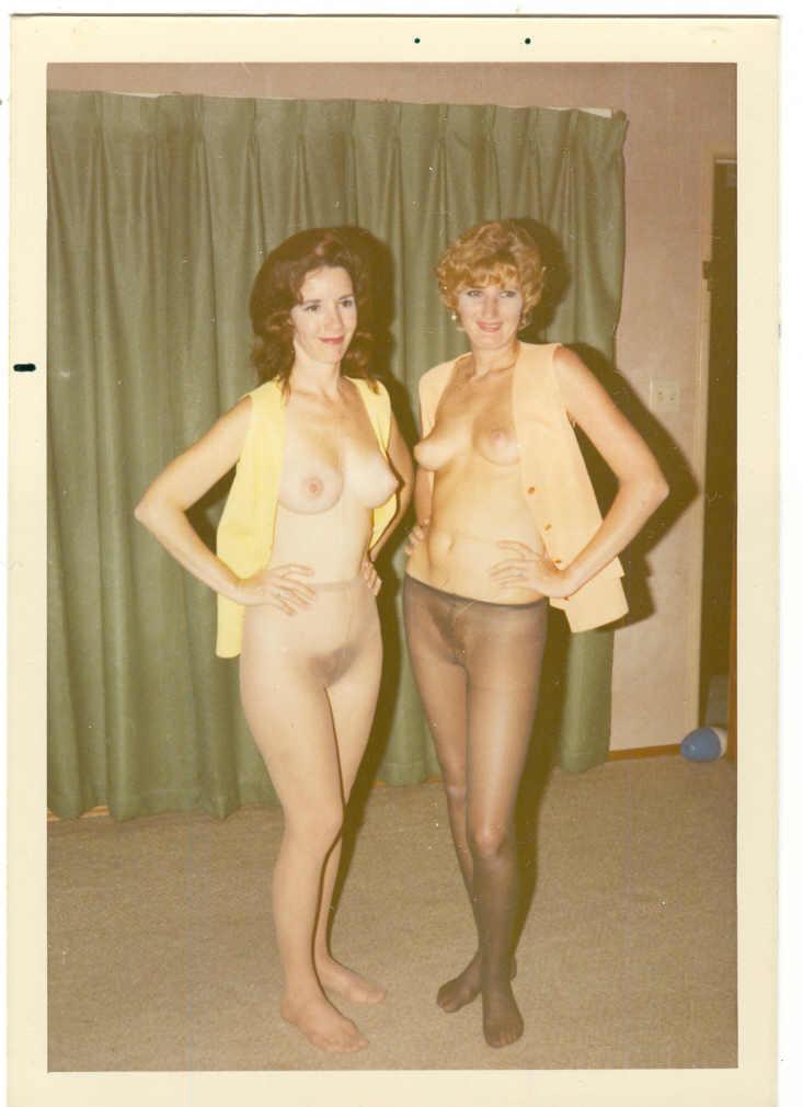 Free Nude Polaroids - Amateur photos of naked ladies