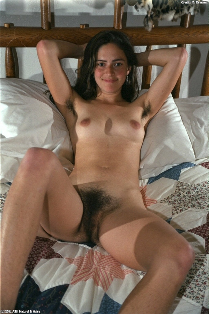 self shot thick arab nude pics